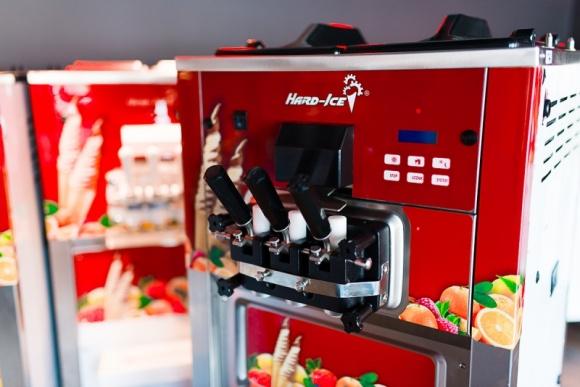 """Jeszcze """"lżejsze"""" lody włoskie? Tak! To możliwe dzięki nowym maszynom Hard – Ice"""