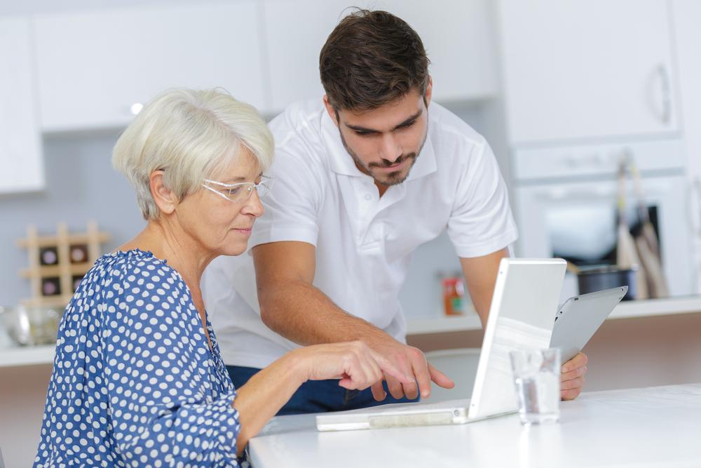 5 kroków jak nauczyć babcię korzystania z Internetu