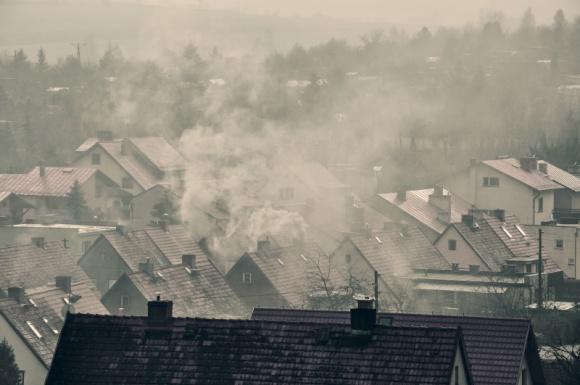 """Program """"Czyste powietrze"""" – 103 mld zł na walkę ze smogiem do 2029 roku"""
